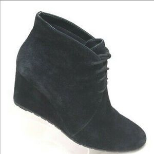 CLARK'S Black Leather/Suede Lace-Up Booties-Size 7